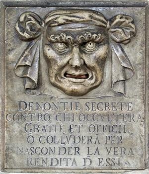 http://commons.wikimedia.org/wiki/Image:Venedig_BW_1.JPG?uselang=de